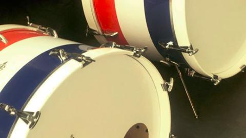 Manufacture légendaire, Asba se déploie tambour battant